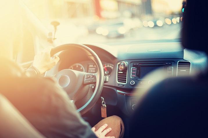 Los exámenes de conducir ahora serán con mascarilla y guantes y con solo un alumno en el coche