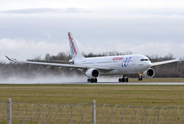 Iberia y Air Europa, las más puntuales del mes de diciembre